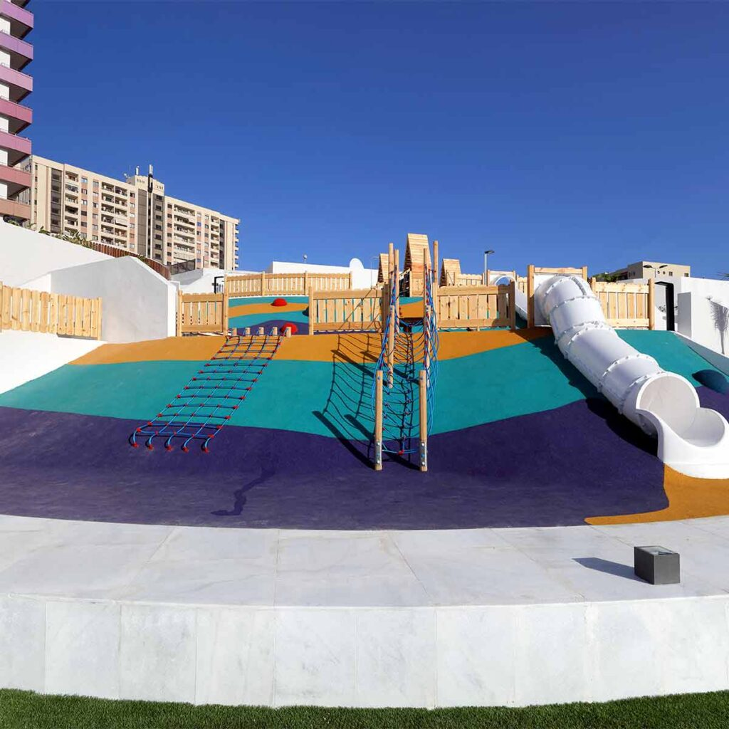 Mobiliario parques infantiles seguros ISABA